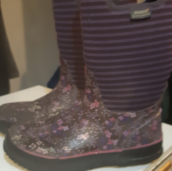 BOGS winter boots/rain boots for girls size 5